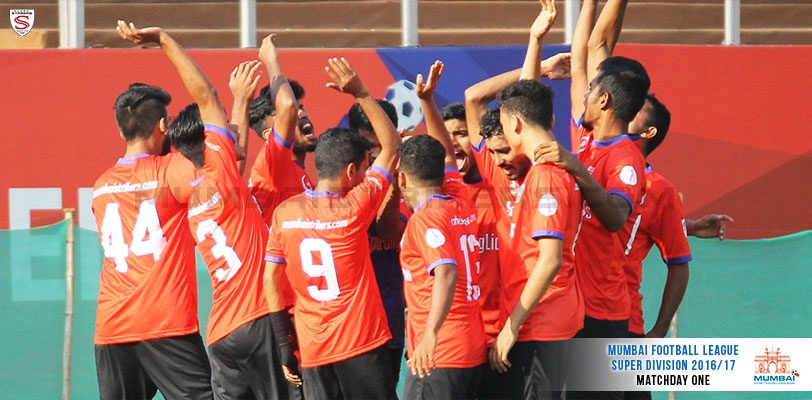 Ten men Mumbai Strikers edge past SBI in the first Super Division encounter